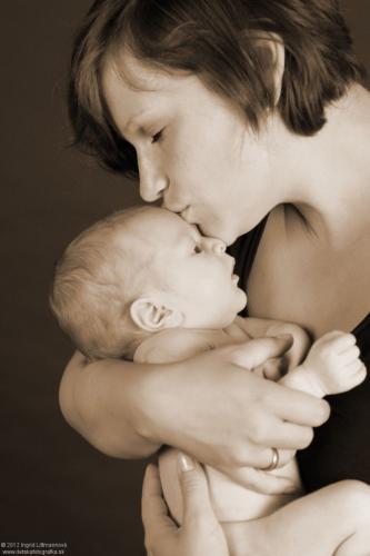 newborn_017-682x1024